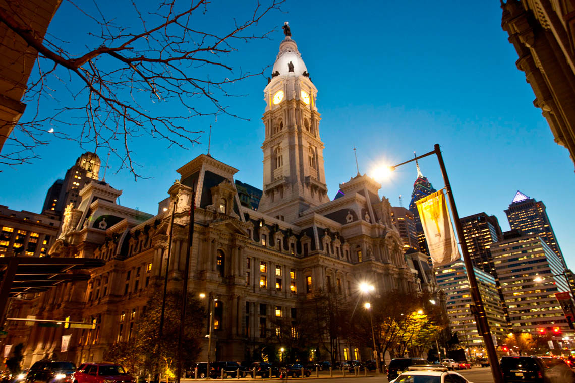 Philadelphia-city-Hall-at-twilight_MG_7947