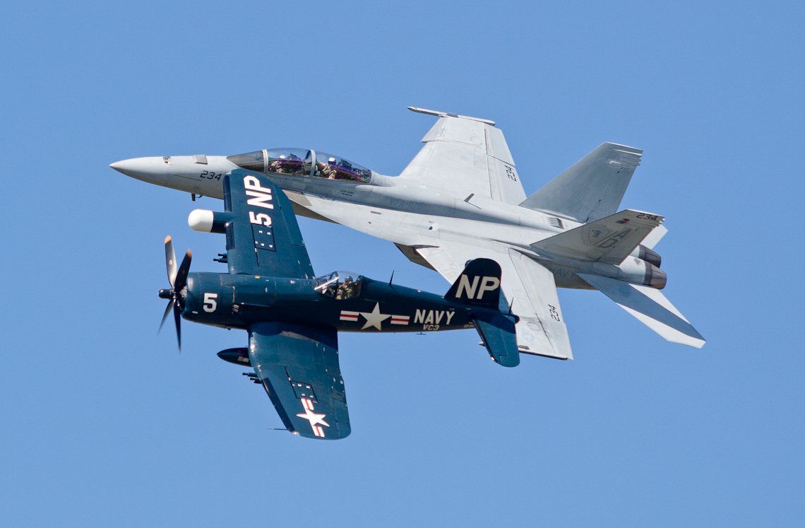 Raptor-and-Corsair-NAS-Oceana-Air-Show-9-19-2010