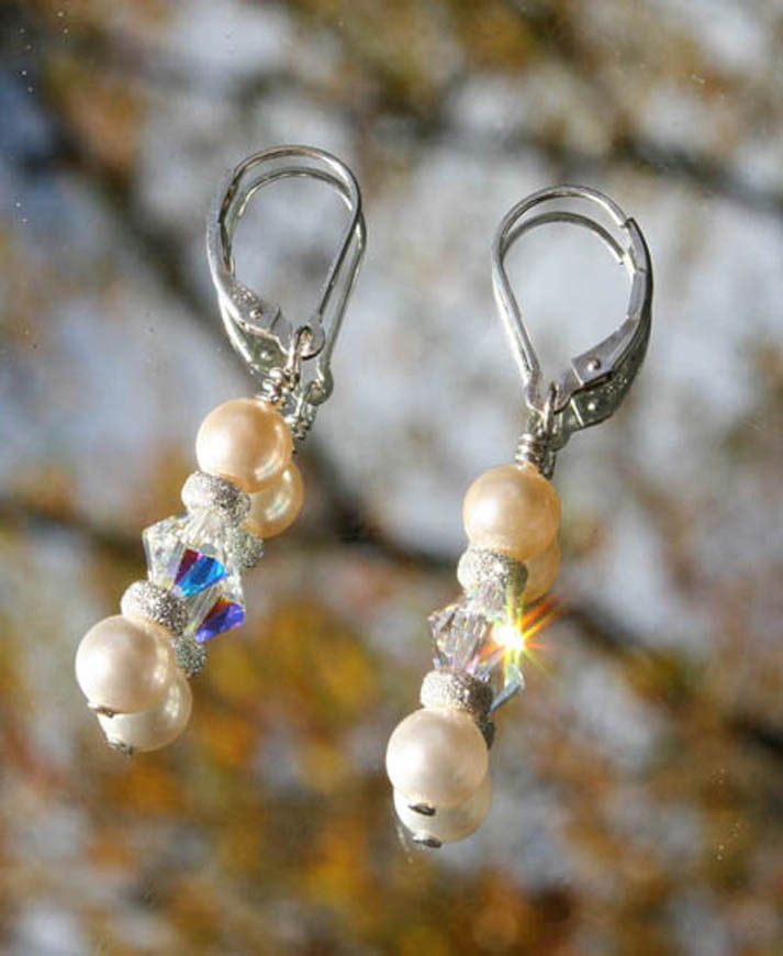 Swarovski-crystal-pearls-and-diamond-earrings.800px